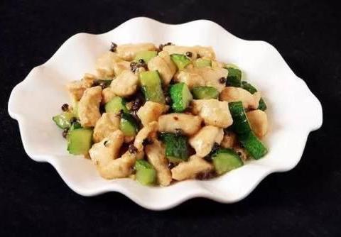 吃货美食:芹菜炒香干、花椒黄瓜鸡丁儿、绣球馒头、辣爆肚丝