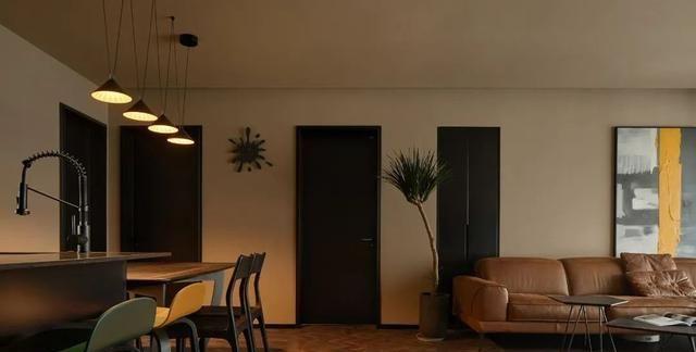 入户悬空隔断,阳台旋转屏风,115平温馨三室有质感