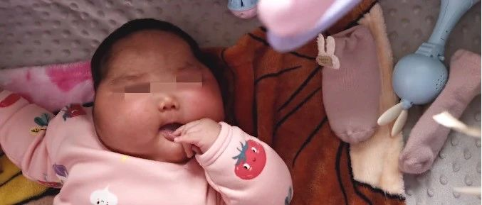 女婴2个月内体重暴增,脸硬得像石头…测评博主称婴儿霜有问题!当地卫健委:涉事产品下架
