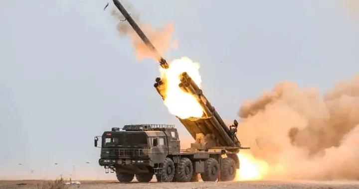 巴基斯坦国产多管火箭炮试射成功 射程140公里