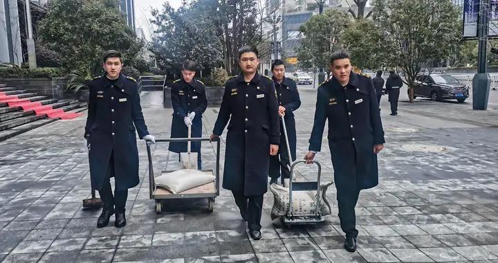中天城投物业24小时坚守,保障业主安心生活