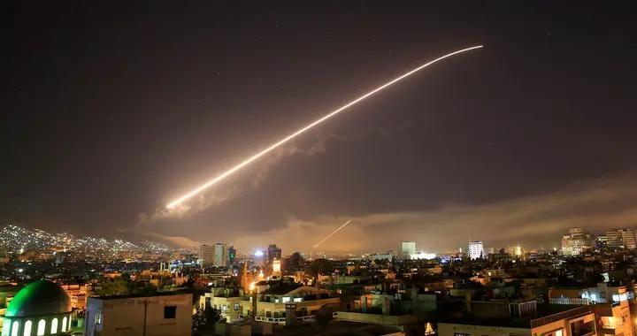 叙利亚深夜警报响起,大批空地导弹呼啸而来,以色列再捏软柿子