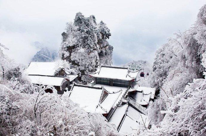 武当山的雪景万籁灵素,手机随便拍都是大片