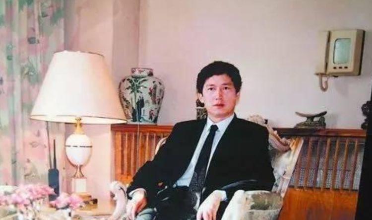 陪伴69岁老太13年,获八千万豪宅千亿财产的李春平,现状如何