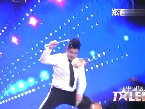 中国达人秀:中学生暴躁表演,三个空竹炉火纯青,看的太爽了