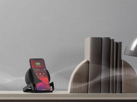贝尔金官宣新款立式无线充 还是一款蓝牙音箱