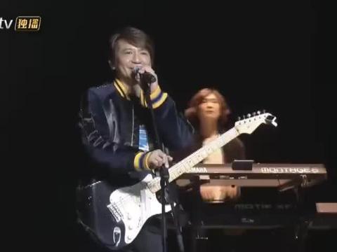 吴晓波年终秀叶世荣高唱经典《不再犹豫》&《光辉岁月》,