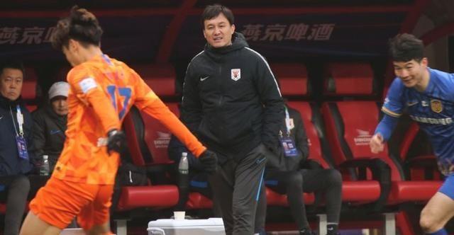 新赛季亚冠4外援初定,韩媒报道鲁能签下K联赛MVP,核心位置回撤