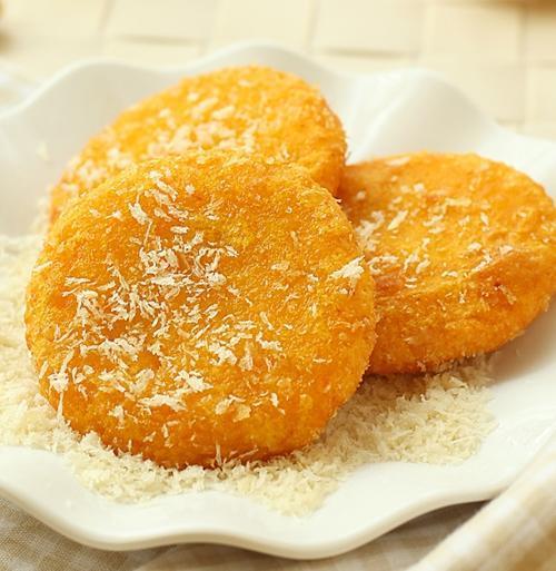 """做南瓜饼常见""""错误"""",只放糯米粉和糖?少""""它""""不软不糯还发硬"""