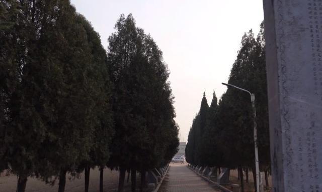 郑州寒酸的帝陵,只做过五年半皇帝,做过商人、皇帝和财神爷