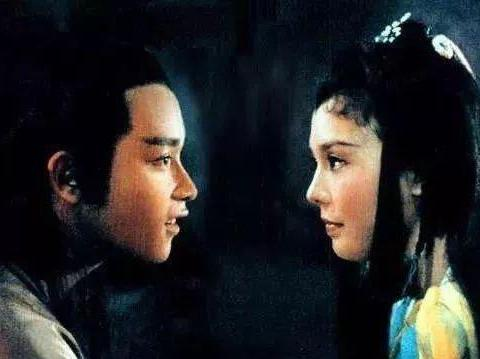 靠《庭院深深》爆火的刘雪华,感情坎坷,丈夫死因成谜