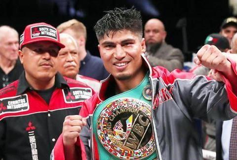 准5个级别拳王提醒斯彭斯:如果挑战阿瓦雷兹,你可能会被击倒!