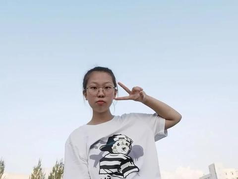 她从吉林一中考到上海交大,高三无数次跌倒,文综成绩大幅度提高