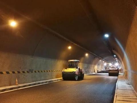 湖湘第一隧道雪峰山隧道群已升级改造,双向通车