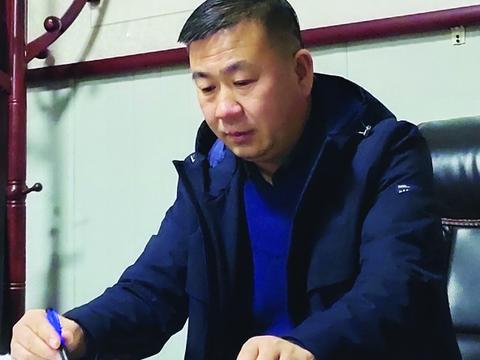 巴卫东:红色基因播撒郸城公交线