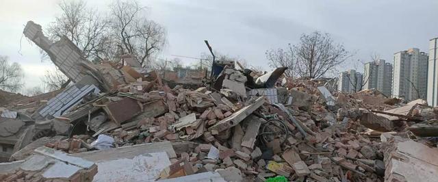 洛阳市洛龙区关林街道皂角树村三民宅遭强拆,现场一片废墟