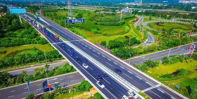 广东湛江玉湛高速互通立交进行升级,工程实现菱形互通+五路平交