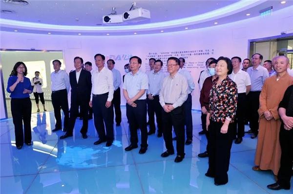 亿达中国大连软件园备受政府领导关注,住豫全国政协委员组团考察