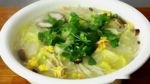 凉拌豇豆,豆皮苦菊卷,海米白菜汤,樱桃小萝卜的做法