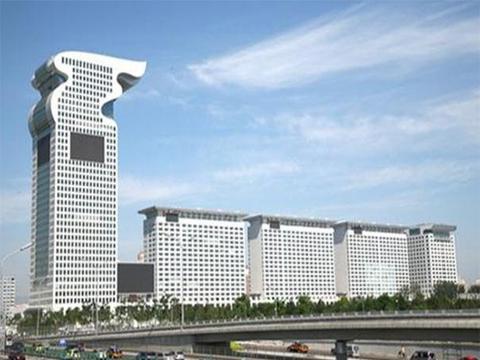 """盘古大观和金泉广场为何会被列入""""中国十大丑陋建筑""""?"""