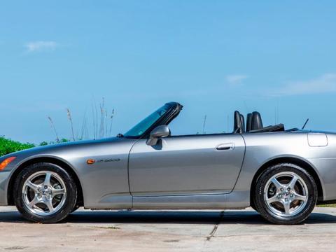 难得的原厂状态本田S2000,里程仅34英里,拍卖价上百万