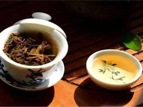 隔夜水、隔夜茶和隔夜菜,都含有亚硝酸盐,哪个对健康危害更大?