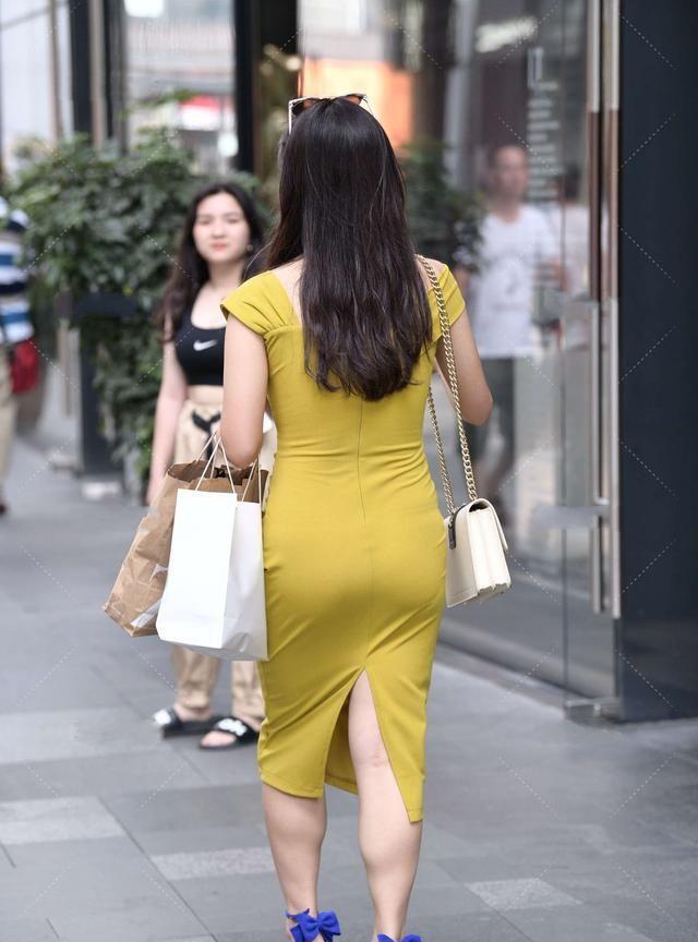 方领哑光连衣裙,优雅大方,显名媛气质