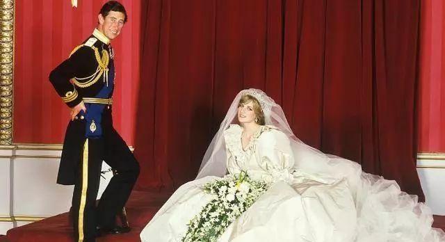 为什么戴安娜王妃如此优雅迷人,却只是查尔斯王子眼中的卡米拉?