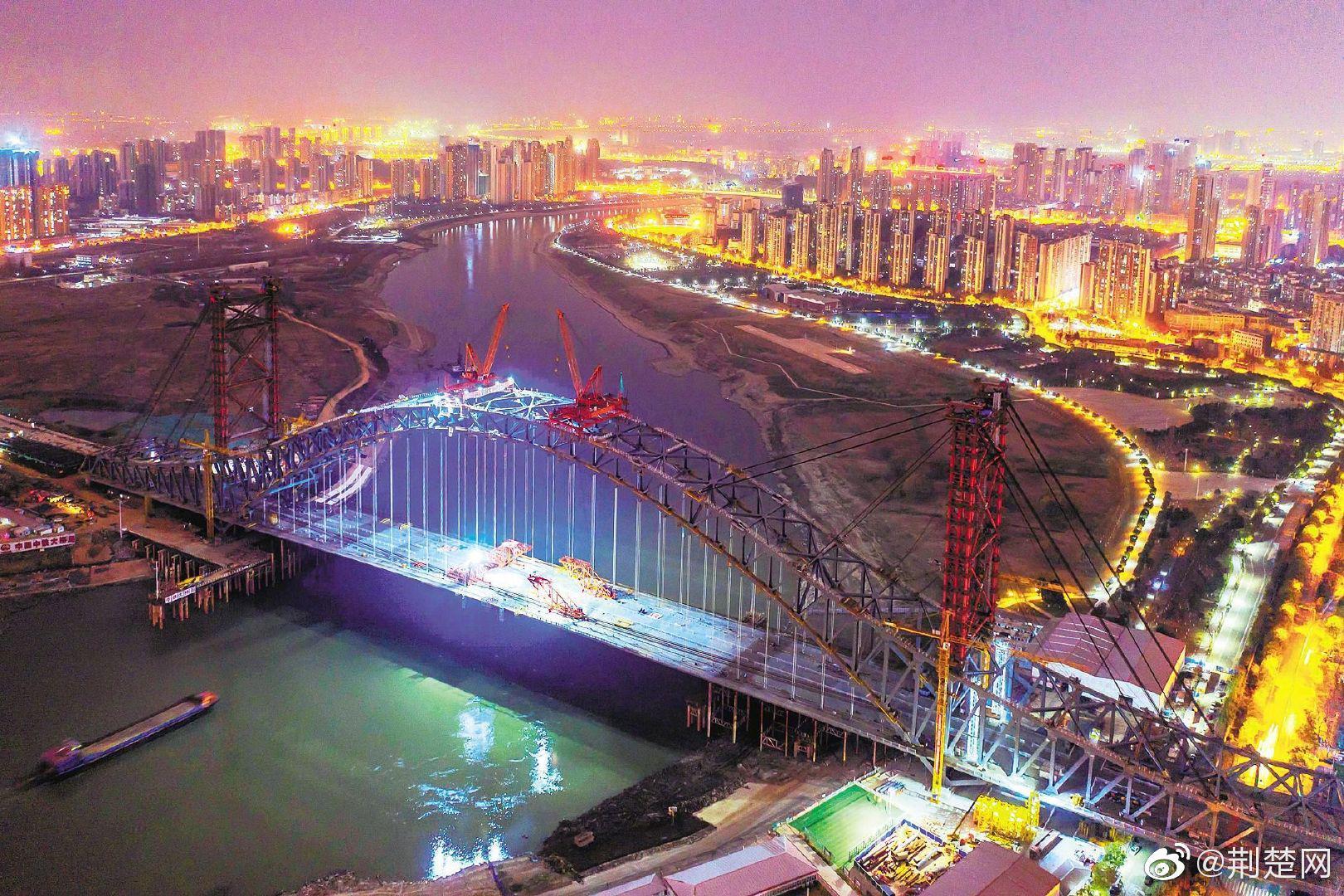 武汉汉江湾桥五一前通车