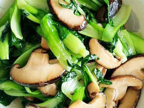 """阳春三月,孩子多吃""""长高菜"""",补充钙质和维生素D,个头蹭蹭长"""