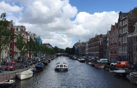 阿姆斯特丹漫游:在著名的爱沙尼亚群岛上,感叹俏丽多姿的福伦丹