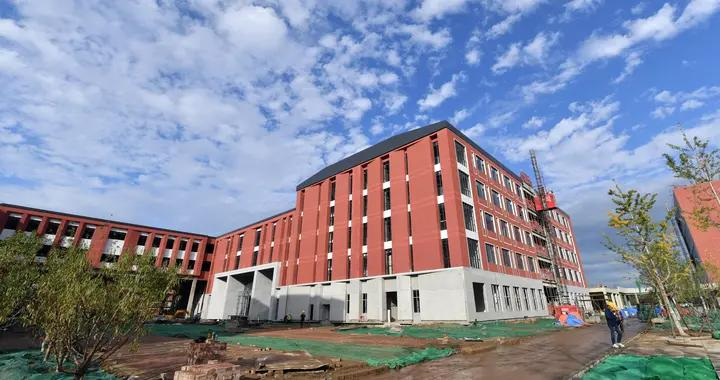 副中心北京学校中学部工程进入收尾阶段,今年9月秋季开学将启用