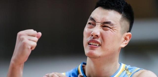 北京男篮官宣新决定,翟晓川公开致歉,解立彬遭禁赛