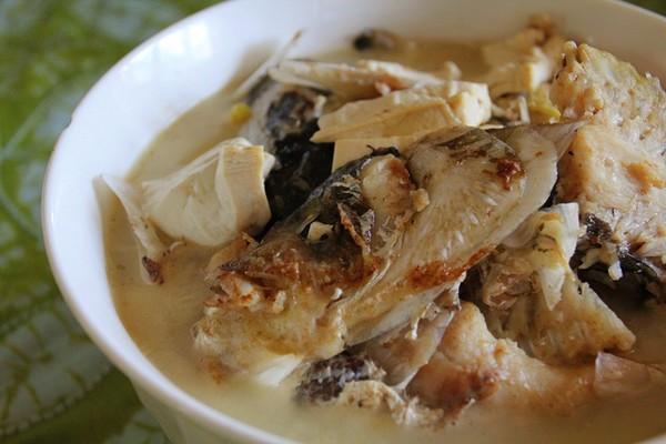 美食精选:糖醋白菜排骨、鱼头炖豆腐、酸辣鸡杂、辣炒花蛤