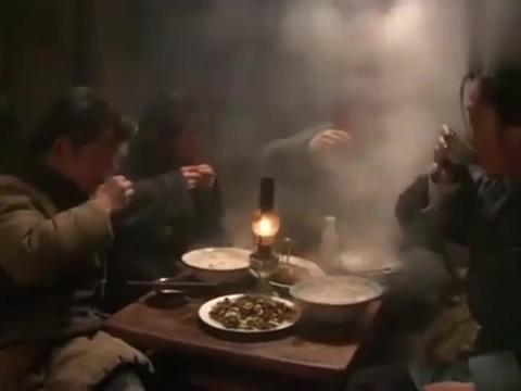 闯关东:朱开山全家吃年夜饭,美味狍子鲜活鲤鱼,还有刚出锅饺子