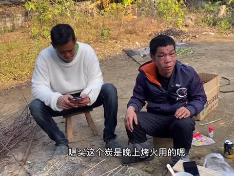 广西农村35岁贫困小伙,从不外出打工,生活却依然过得逍遥自在