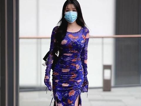 这样选择饱和度高的衣服,材质轻柔显仙气,修身连衣裙穿出好身材