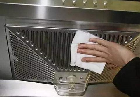 厨房长时间不打扫全是厚油污,选对清洁剂很关键!