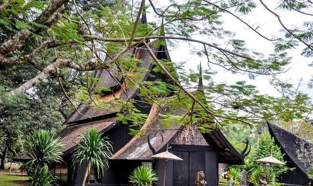 """泰国北部有个""""恐怖""""建筑群,确实跟死亡有关,但中国游客都爱去"""