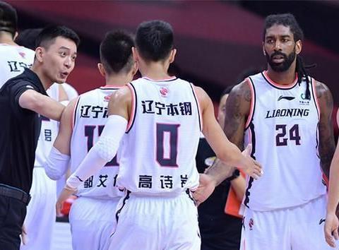 辽宁男篮裁掉西蒙斯,李洪庆有意夺冠旧将,史蒂芬森也示好