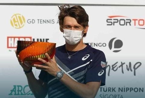 他已经是4座ATP巡回赛男单冠军得主!