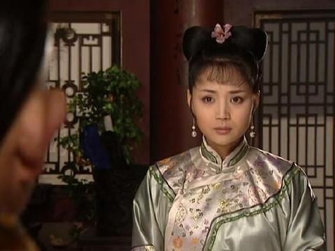 《康熙王朝》里,茹萍与他搭戏特显老,人家还大她一岁,像两代人