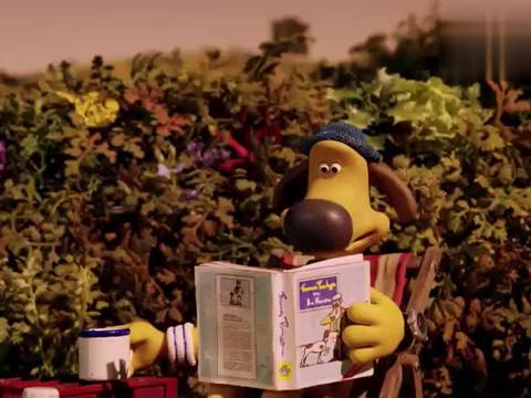 小羊肖恩:狗狗正在看报喝茶,突然警报响起,是有什么事情发生吗