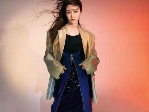 硬糖少女小分队硬照:王艺瑾刘些宁硬凹造型,陈卓璇的脚像羊蹄子