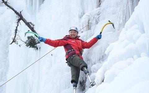 26岁冻掉双脚69岁重登珠峰,夏伯渝:活着一天就要为梦想奋斗