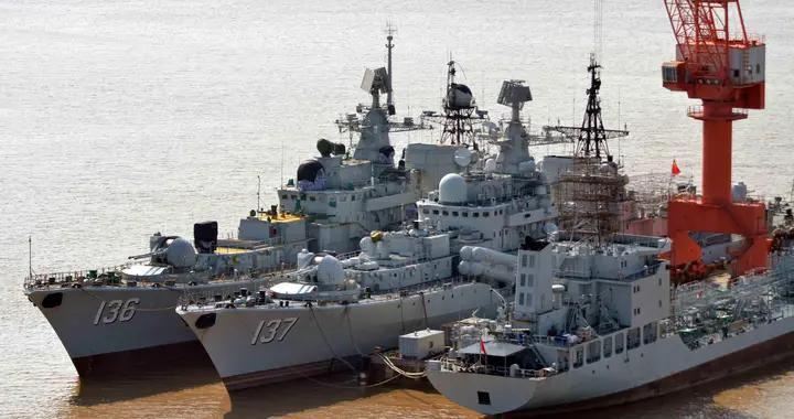 """我国海军现代级变身""""准航母杀手""""!俄网友提醒:必须学习中国"""