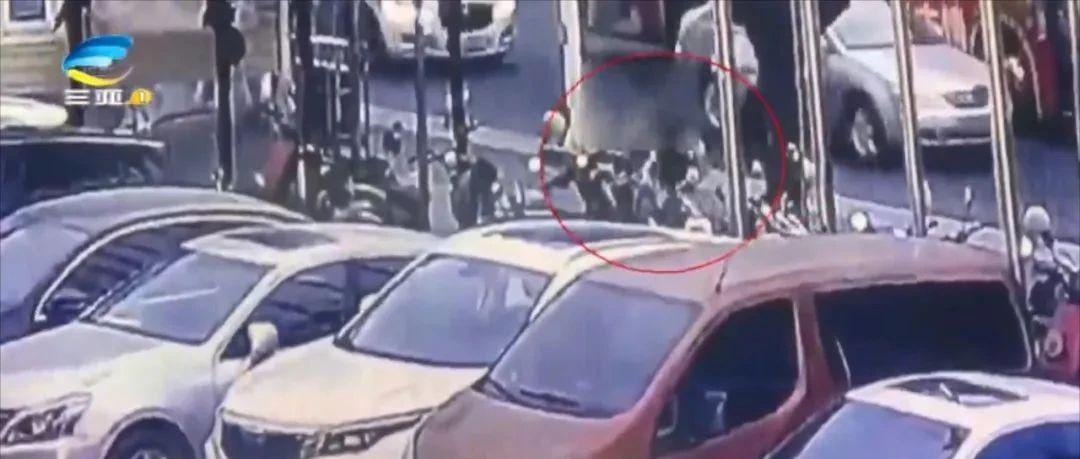 """三亚一市民车钥匙被顺走,小偷竟留字条要""""借""""车!结果令人意外..."""