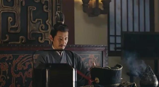 《三国演义》中,荀彧收到曹操的空盒子,为什么就自杀了?