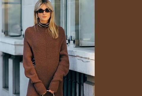 """冬日黑色和白色都穿腻,尝试""""棕色新穿法"""",时髦优雅两不误"""