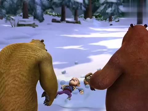熊出没:大家开心的打雪仗,光头强也来横插一脚,他有何依仗